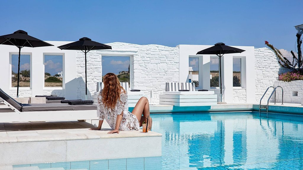 Mr & Mrs White Paros New Style Hotel