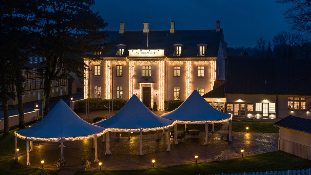 Bandholm Hotel with winter decoration (289605129)