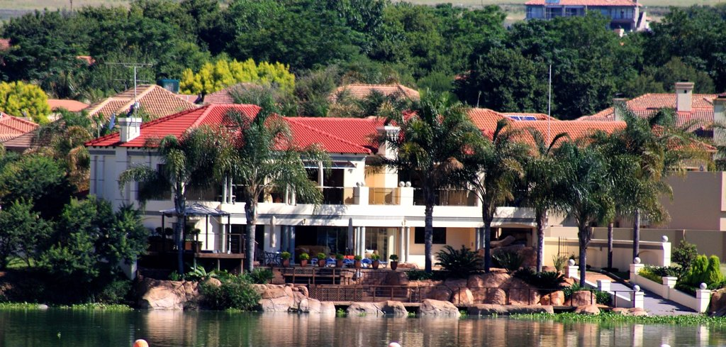 Blue Crane Villa - Private Guest House