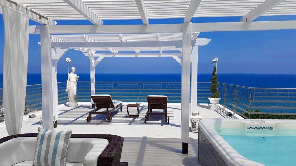 Panorama Suites & Spa