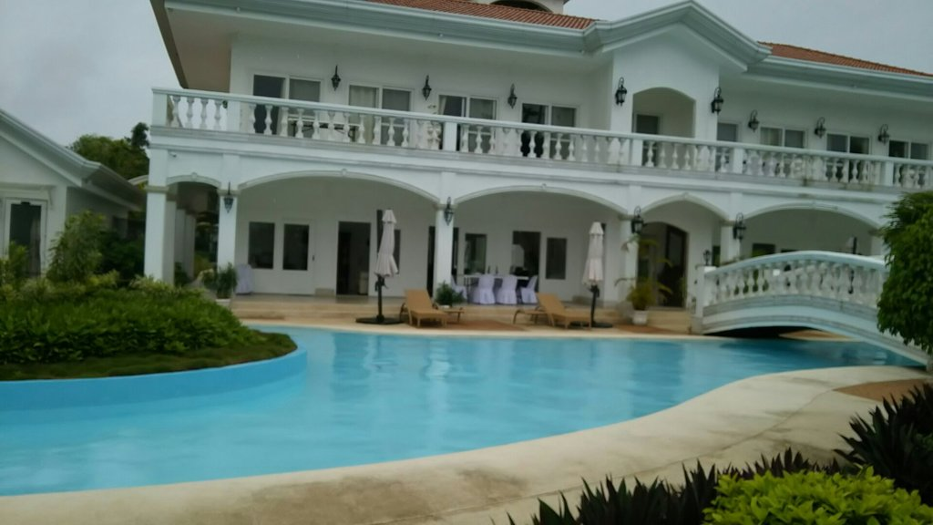 Casa Blanca by the Sea Hotel
