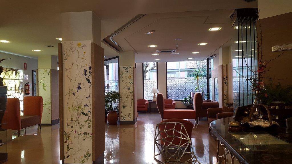Hotel Garelos