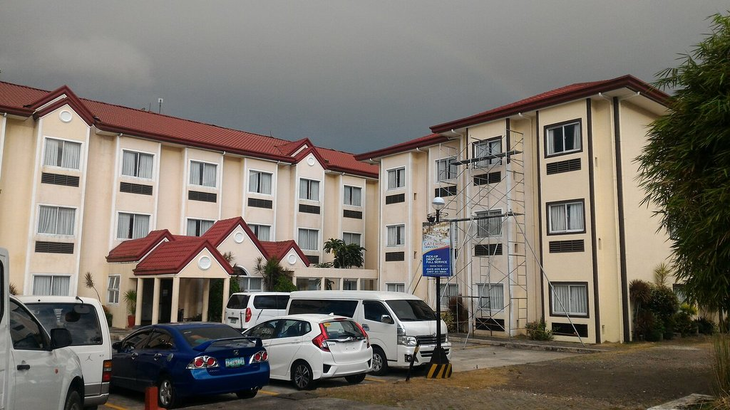Microtel Inn & Suites by Wyndham Sto Tomas Batangas