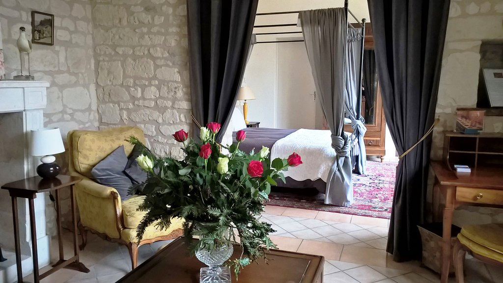 Chateau de Bournand B&B and Cottage