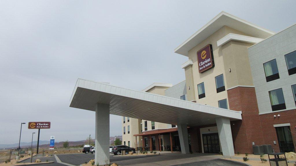 Clarion Inn & Suites Hurricane Zion Park Area