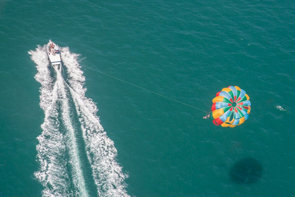 ‪Dana Point Parasail‬