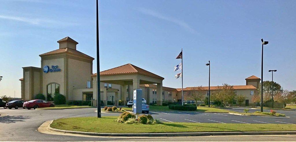 Best Western Roanoke Rapids Hotel & Suites
