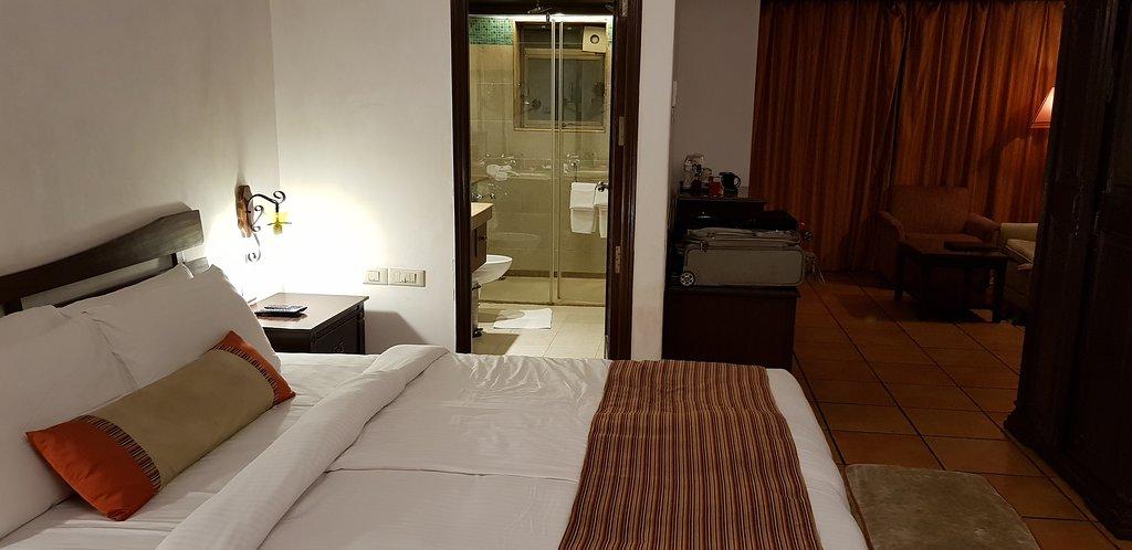 Lazylagoon Sarovar Portico Suites