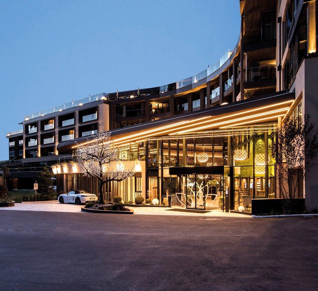 ホテル アルペンシュロースル