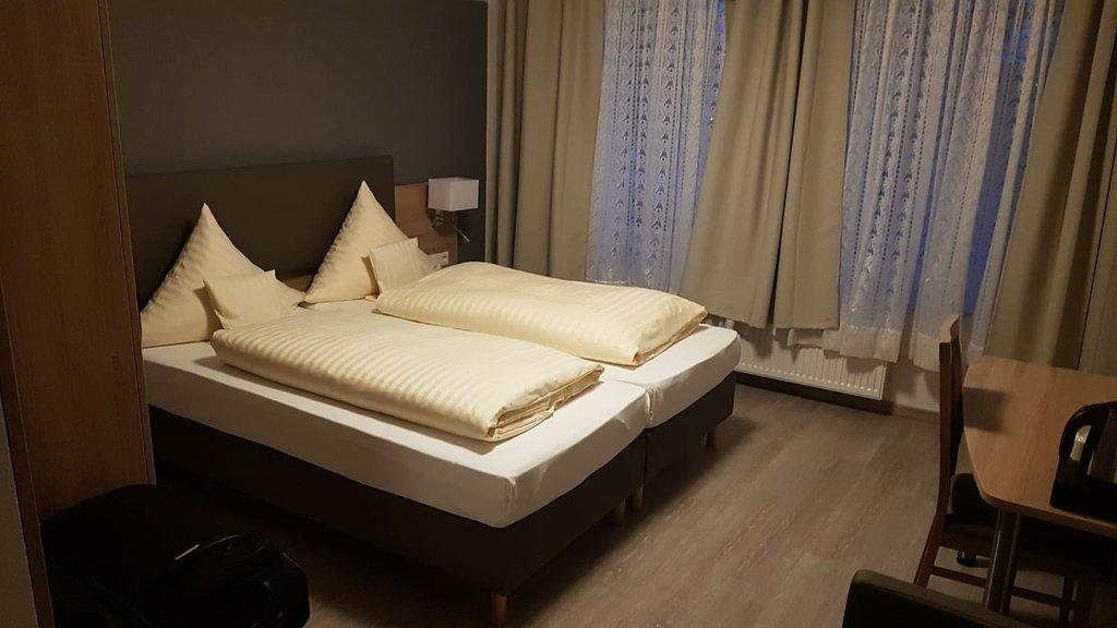 Hotel 12 Baeume