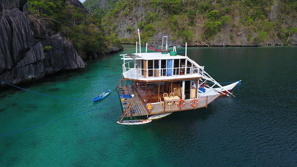 Paolyn Houseboats Coron Island
