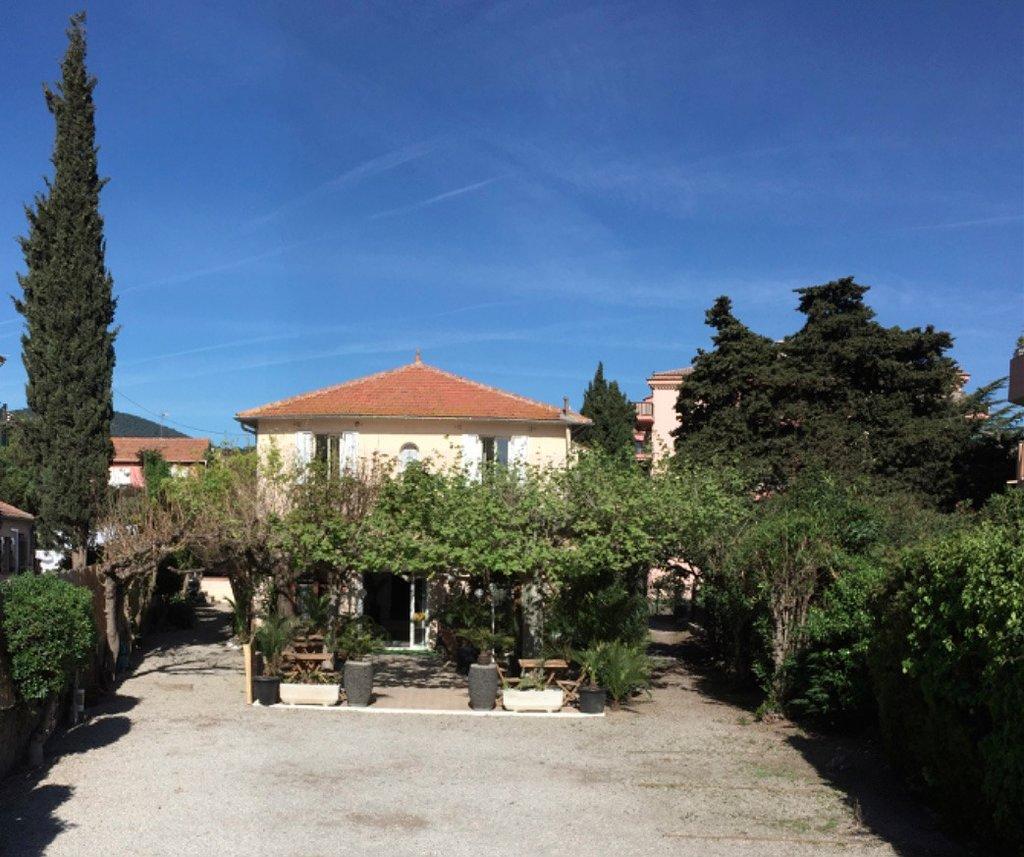 Hotel Castellamar