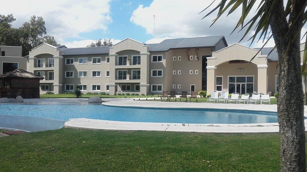 Howard Johnson Hotel & Convention Center Ezeiza