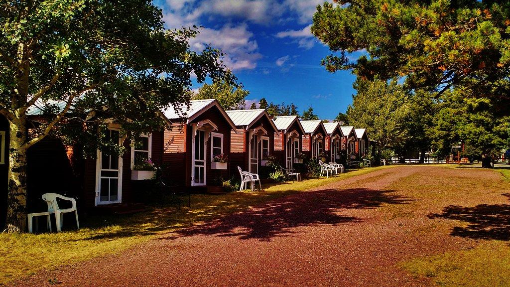 East Glacier Motel & Cabins
