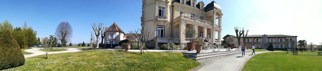 Vue d'ensemble du château du Grand Barrail