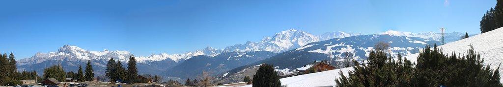 """Vue depuis le """"Petit Cuchet"""" sur la chaine du Mont-Blanc"""