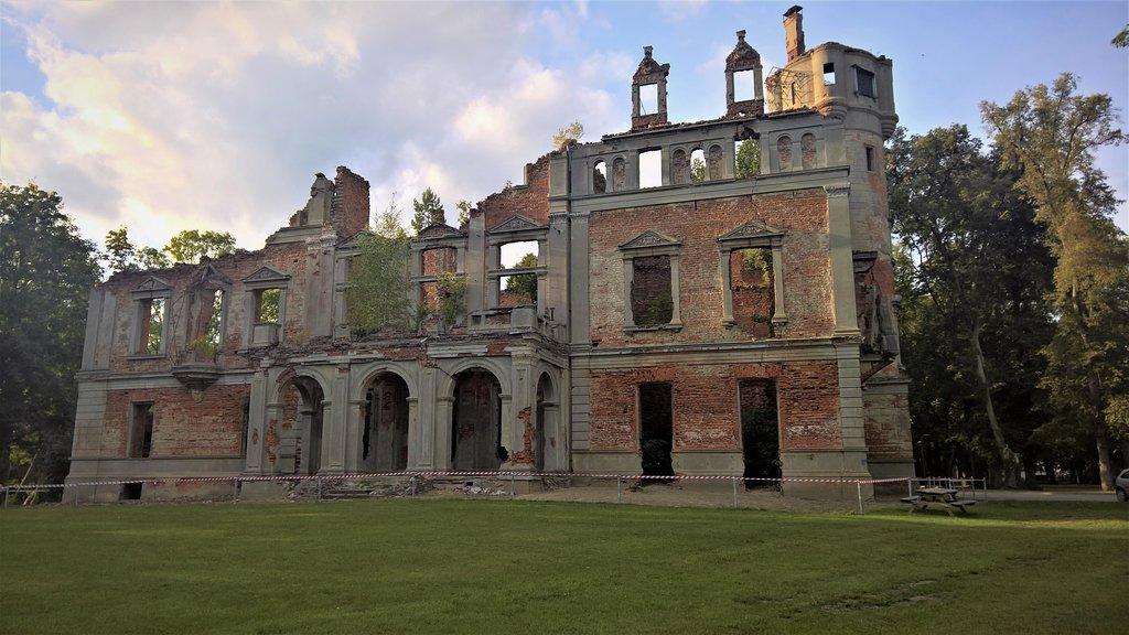 Runowo Palace