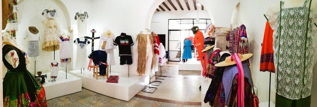 Museo de Ropa Etnica de Mexico -- MUREM