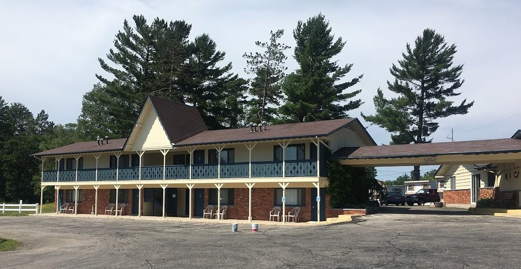 Waterway Inn