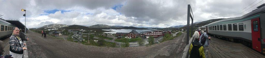 Riksgransen Station panorama