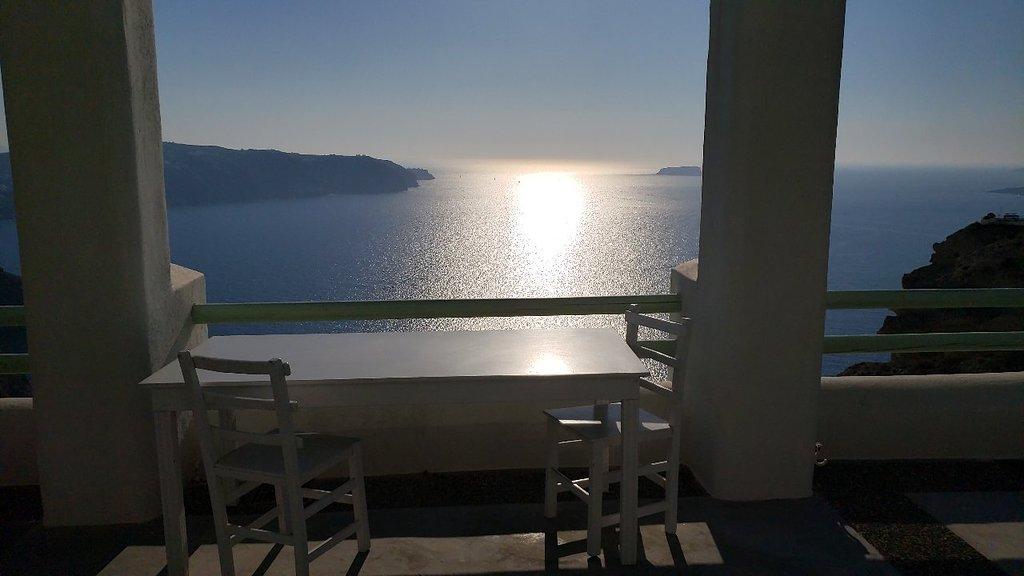 The Cliff Santorini
