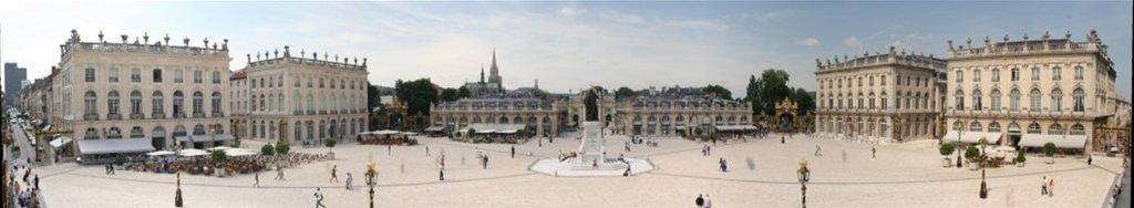Nancy - place Stanislas - Vue panoramique depuis l'Hôtel de Ville