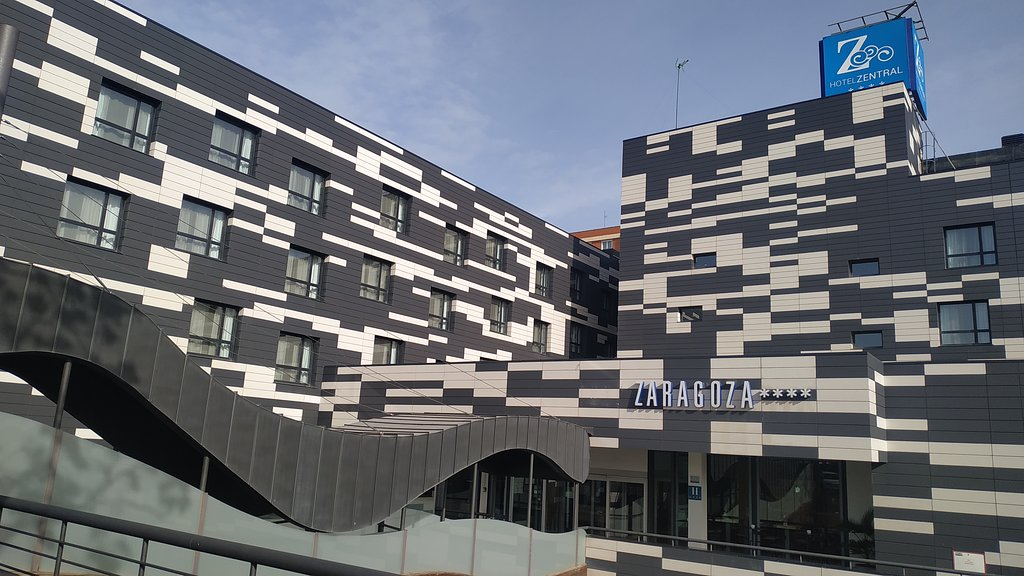 扎拉格扎崔普酒店