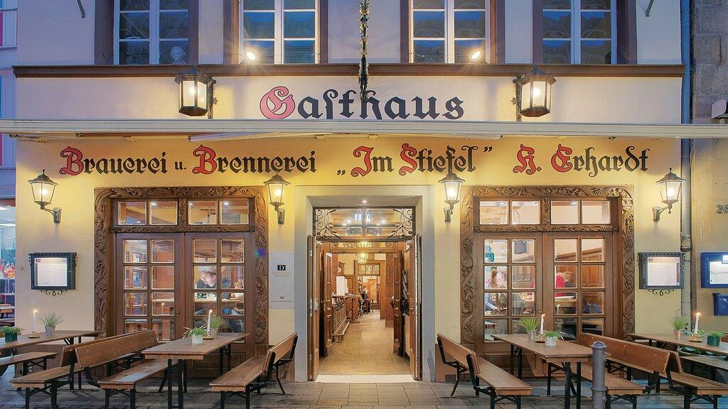 """Unser Gasthaus """"Im Stiefel"""", nur wenige Schritte von uns entfernt und direkt neben Beethovens Geburtshaus."""