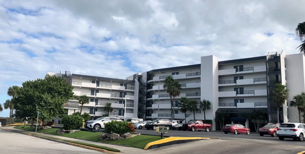 La Quinta Inn & Suites by Wyndham Cocoa Beach Oceanfront
