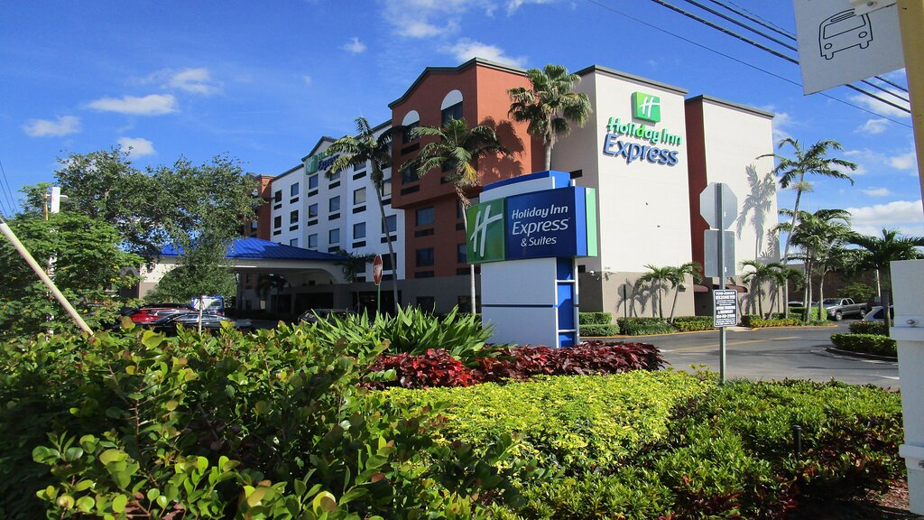 Holiday Inn Express & Suites Fort Lauderdale Airport West, an IHG hotel