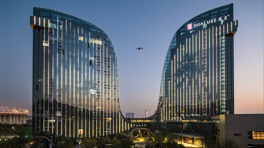 HUALUXE Hotels and Resorts Xiamen Haicang, an IHG hotel