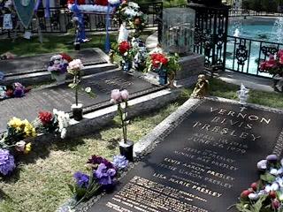 Memphis, TN: Elvis's Grave