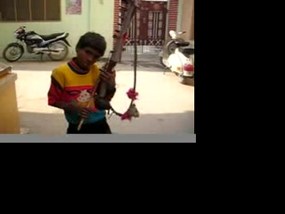312 The busker kid in Nakodar