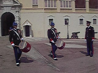 Monte-Carlo, Monaco: 04. Guard going out