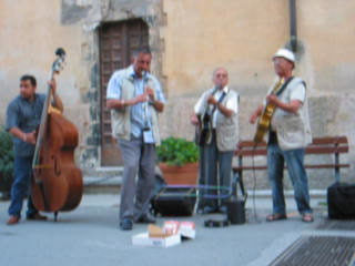 16 Best street band on the Cinque Terra!