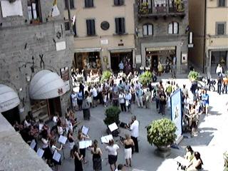 Cortona, Italia: Videoclip of Concert