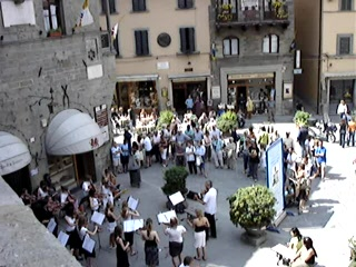 Cortona, Italië: Videoclip of Concert