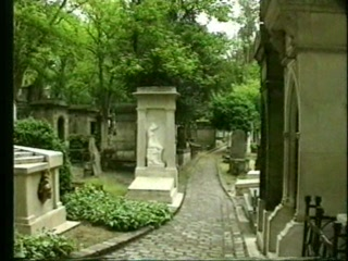 สุสาน Pere-Lachaise (Cimetiere du Pere-Lachaise): A Postcard from Paris - Part 5 of 6