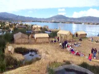 Sydamerika: 28 Isla Flotantes
