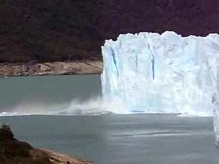 El Calafate, Argentina: Moreno Glacier Breaking