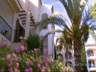 Thomson.co.uk video of the BAHIA AZUL in CALA BONA, Majorca