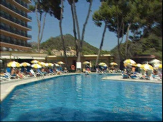 Kepulauan Balearic, Spanyol: Thomson.co.uk video of the Playa Camp de Mar in Camp de Mar, Majorca