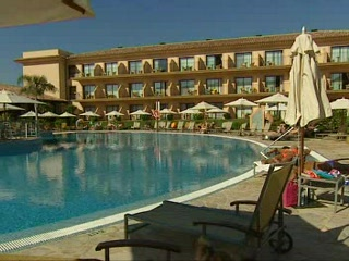 Cala'n Bosch, Spain: Thomson.co.uk video of the LA QUINTA in SON XORIGUER, Minorca