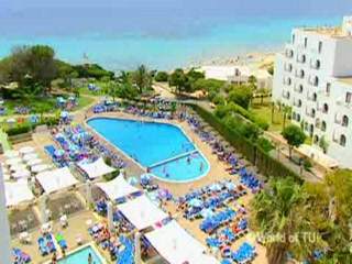 Thomson.co.uk video of the Victoria Playa in Santo Tomas, Minorca