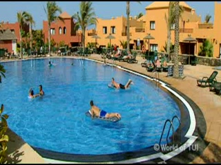 Thomson.co.uk video of the Oasis Papagayo in Corralejo, Fuerteventura