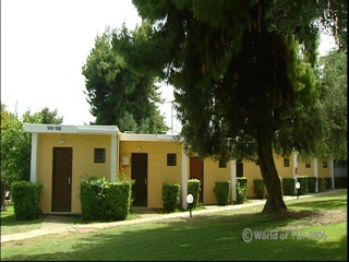 Gerakini, Greece: Thomson.co.uk video of the GERAKINA BEACH BUNGALOWS in GERAKINA, Halkidiki