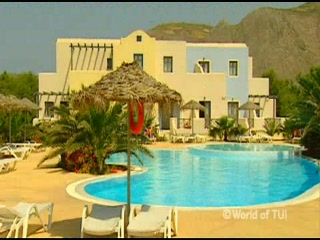 Perivolos, Yunani: Thomson.co.uk video of the Villa Atlantis Beach in Perissa, Santorini