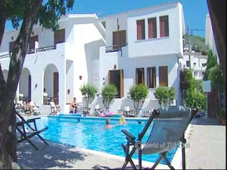 Sporades, Yunani: Thomson.co.uk video of the Skopelos village in Skopelos Town, Skiathos