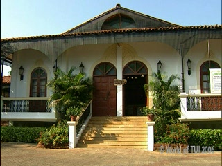 Cansaulim, Inde : Thomson.co.uk video of the Heritage Village in Arossim Beach, Goa