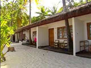 Maayafushi Island : Thomson.co.uk video of the Maayaafushi in North Ari Atoll, Maldives